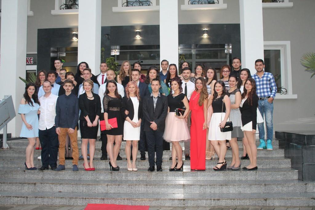 Студенти от ЮЗУ в парад  на красотата