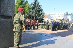 Пушки и камбанен звън възвестиха 105 г. свобода в Благоевград