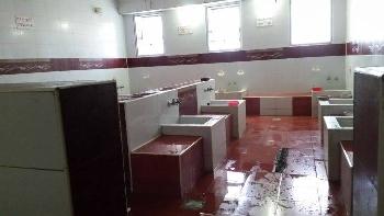 Къпането трае 1 час! Тъжен реквием градската баня в Благоевград