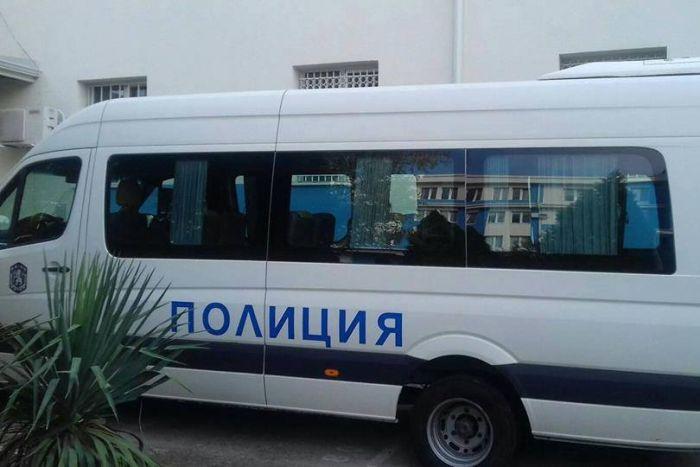 090fb592904 Акция срещу продажбата на маркови стоки-менте в Сандански