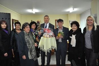 Сватбари поканиха кмета на Разлог - Красимир Герчев, за кум