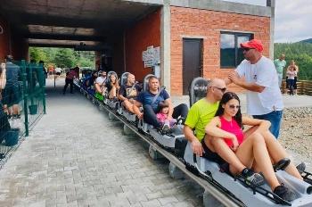 Туристи атакуват Рила планинад Белица заради парк с колички